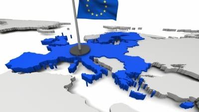 EU-flagga på karta.