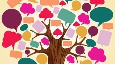 Träd med pratbubblor som löv.